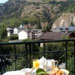 Plateau petit déjeuner - Hôtel des Alpes - Brides les bains